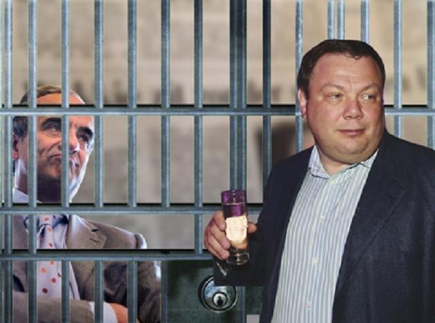 Авен и Фридман отреклись от старого друга Вакки