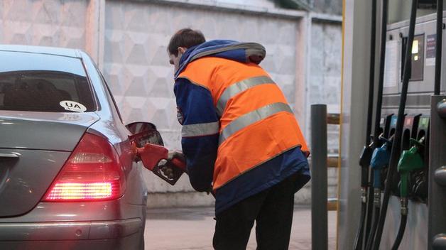 В Украине взлетели цены на бензин