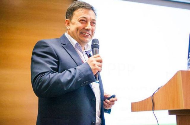 Вор и мошенник Константин Гаевский продолжает наживаться на горе украинцев