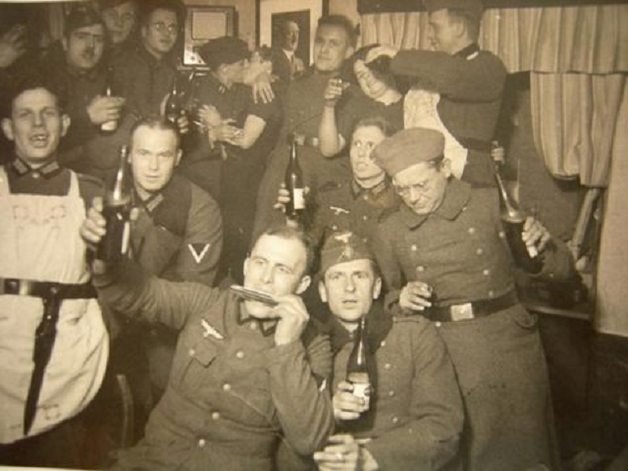 Сексуальные утехи военных во время войны