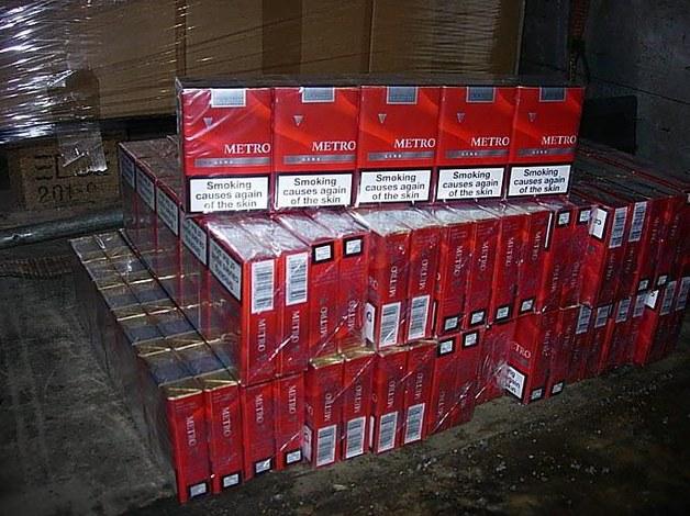 Латвийская оргпреступность наладила производство сигарет Metrо: литовские таможенники задержали 570 тыс. пачек