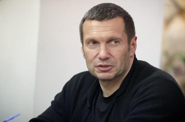 Как ведущий Владимир Соловьев вышибает долги с клиентов Сбербанка и получает за это миллионы
