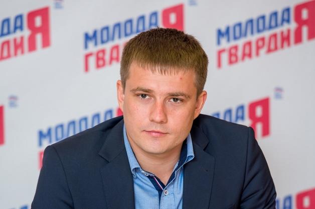 Денис Давыдов из «Молодой гвардии» может заменить Неверова на посту главы генсовета «Единой России»