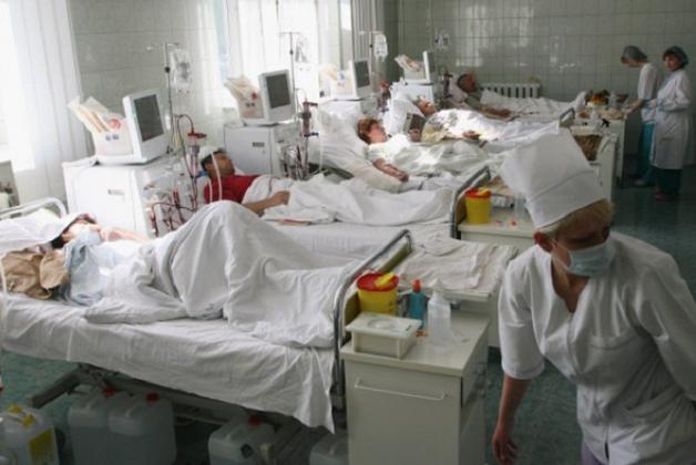 В больницах Енакиево пополнение: свозят раненых боевиков