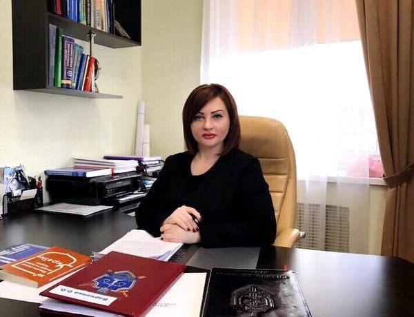 Ольга Варченко, большой чин из ГПУ: доходы и расходы не сходятся. А еще скандалы