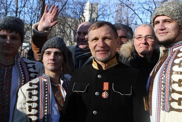 Олег Скрипка на День Соборности исполнил в Днепре героический марш ОУН