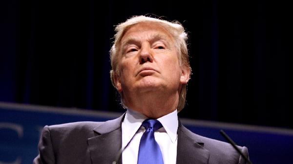 На Трампа подали в суд за баны пользователей в Twitter