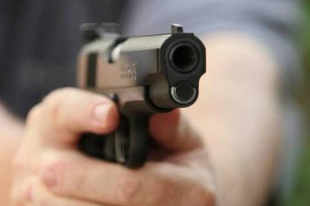 В Киеве неизвестные расстреляли мужчину, отобрав у него 200 тысяч