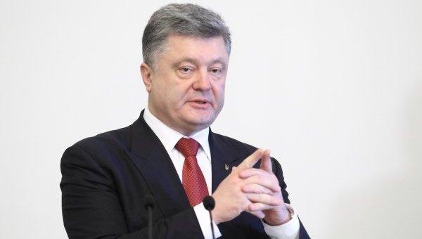 Порошенко - российским журналистам: Перестаньте убивать украинцев