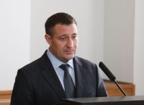Олег Аверьянов – как ограбить государство и стать заместителем министра