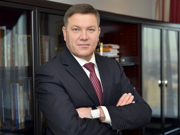 Губернатор Олег Кувшинников готовится к отставке?