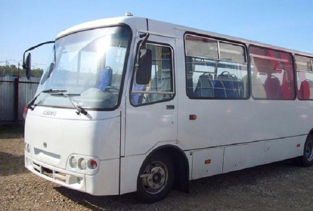 У Запорізькій області на дорозі спалахнула маршрутка з пасажирами