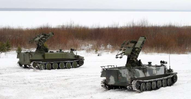 В Енакиево перебросили 30 грузовиков с боєвиками «ДНР» и системы ПВО