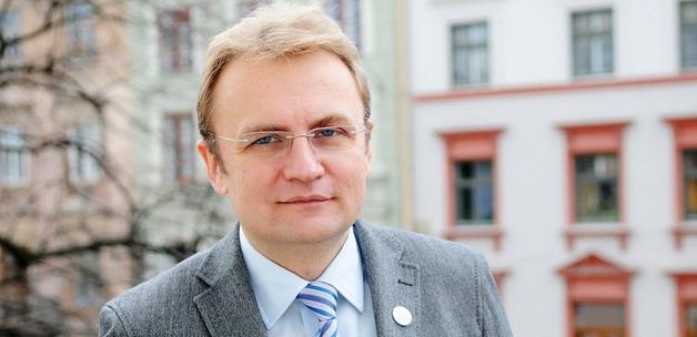Садового приравняли к Савченко и призвали уйти в отставку