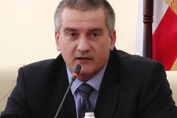 """Зачем Аксенов """"шатает"""" Крым?"""