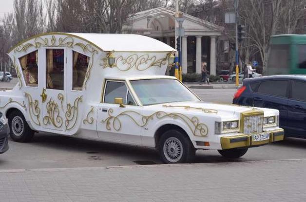 Единственный в своем роде лимузин-карету выставили на продажу в Украине
