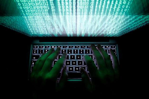 Хакер-ФСБшник, проходящий по делу о госизмене, воровал деньги с чужих кредиток