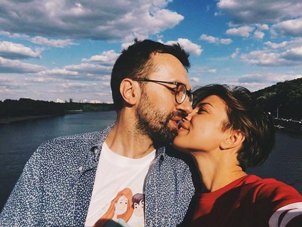 У невесты Лещенко на собственной свадьбе украли мобильник