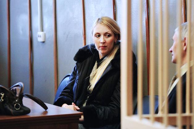 Сотрудница «Единой России», сбившая двух девушек на тротуаре, отделалась скромным штрафом