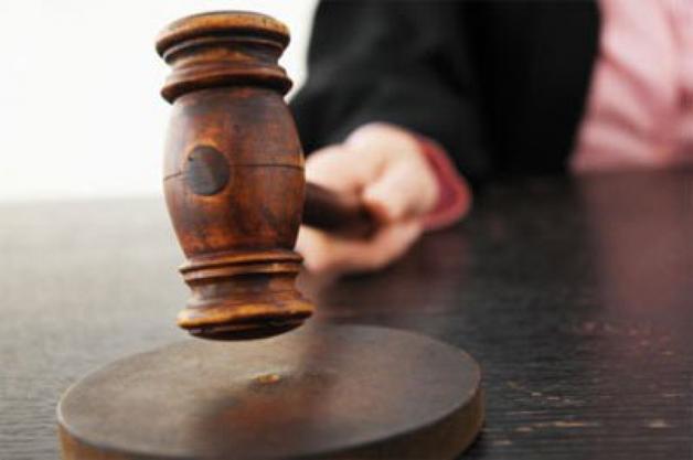Видео с пьяным омским экс-судьей за рулем попало в Сеть