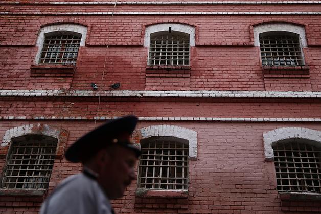Тюрьмы трещат по швам