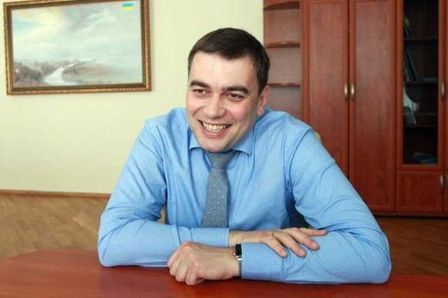 Поплічник Гройсмана Максим Мартинюк купує нерухомість на мільйони долларів разом з пенсіонерками