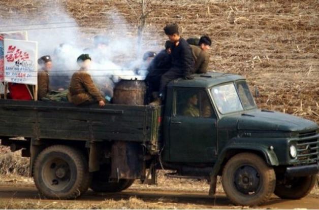 Украинцев поразили необычные автомобили в КНДР