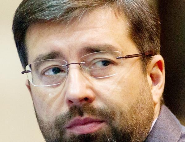Банкир Исаев поможет нефтянику Сечину банкротить строителя Блажко