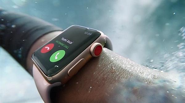 Главная функция новых Apple Watch — мобильная связь. Но она не работает