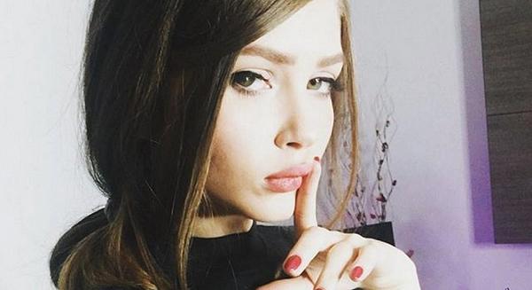 Интимные фото российской блогерши вызвали ажиотаж среди украинцев