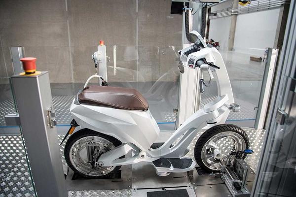Чубайс объявил о начале производства электромопеда за 8500 евро