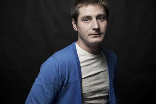 «Готовили к тому, что убьют». Заявивший в СКР гей из Чечни рассказал о пытках в «секретной тюрьме»