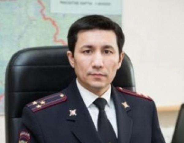 Полковник полиции Кабдрашов сменил фамилию, имя и отчество
