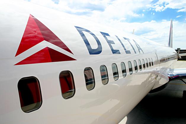 У детей на глазах: секс-курьез на борту известной авиакомпании вызвал резонанс в СМИ
