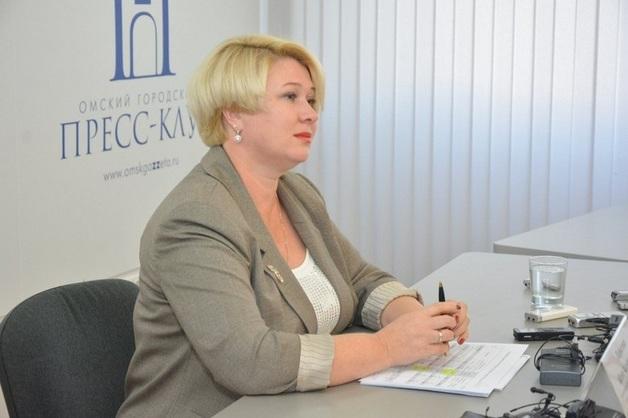 Вице-мэр Омска пожаловалась на низкую зарплату чиновников
