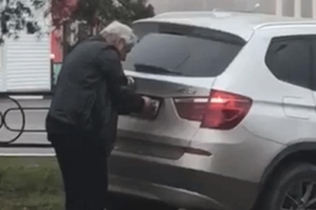 В Ростове проверят информацию о скрутившем номера на BMW X3 пьяном судье