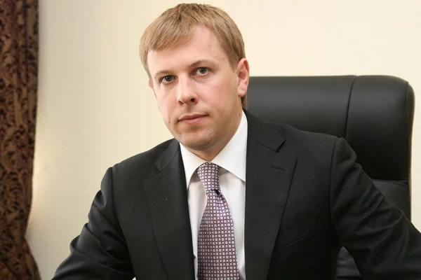 Рейдер, откатчик и мафиози «Партии Регионов». Виталий Хомутынник
