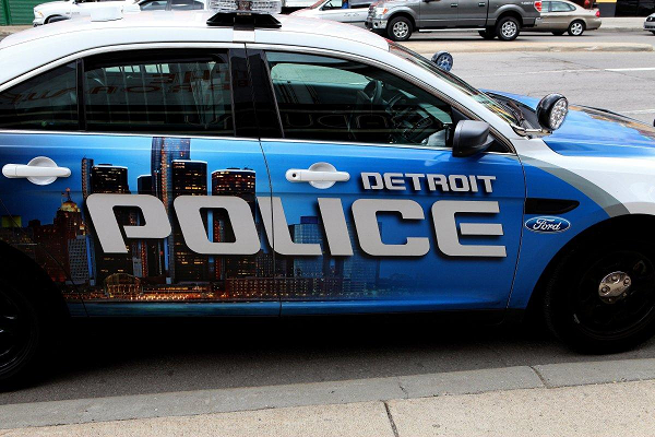 В США полицейские под прикрытием устроили перестрелку с наркоторговцами, которые тоже оказались копами