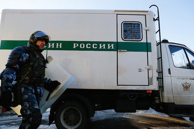 В колонии Калининградской области надзиратели избили заключенных при обыске