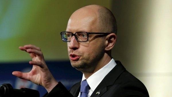 Яценюку грозит пожизненное: телеканалы начали говорить правду о войне на Донбассе