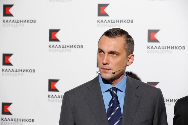 """Убегая от санкций, Махмудов и Бокарев навесили """"Калашников"""" на Криворучко"""