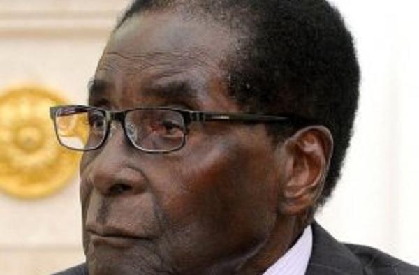Президент Зимбабве Мугабе передумал идти в отставку