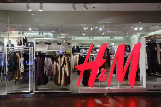 H&M ежегодно сжигает в котельных Швеции тонны новой одежды