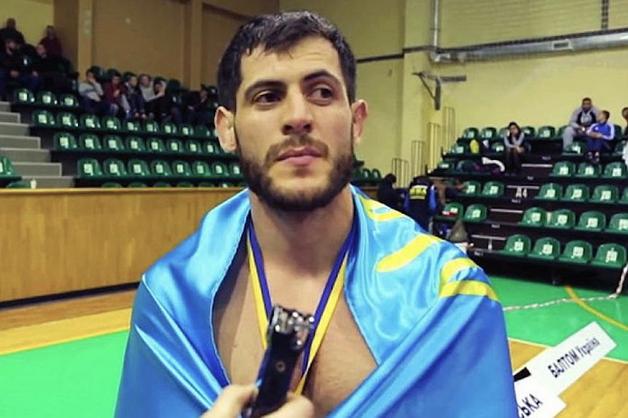 Россия объявила двоюродного брата чемпиона ММА Мурада Амриева в международный розыск