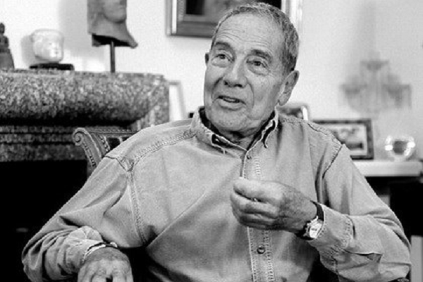 Работал с легендами кино: во Франции скончался известный режиссер