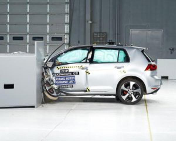 Как разбиваются самые популярные в Европе автомобили