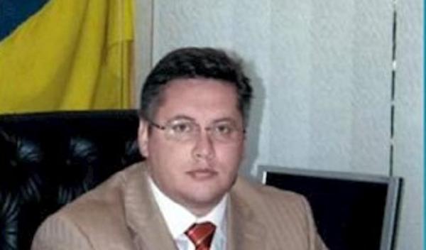 Активисты взялись за экс-прокурора, который построил дворец в киевском заповеднике