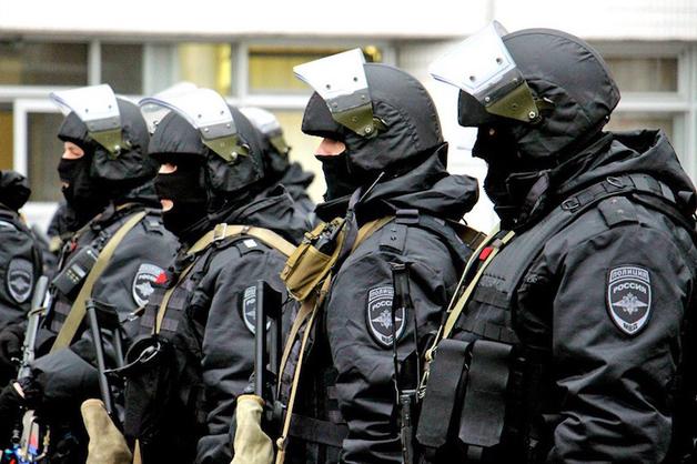 Полиция прекратила вооруженный конфликт двух ЧОПов в центре Москвы