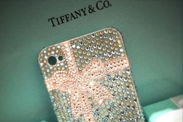 В Воронеже инспектора ФСИН будут судить за взятку эксклюзивным iPhone с камнями от Tiffany