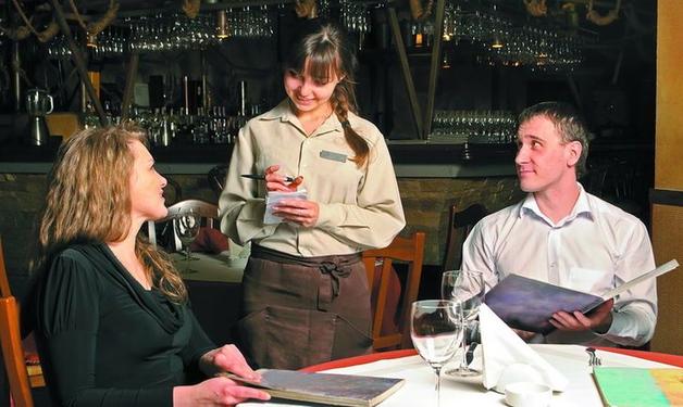 Вас обдурюють і у дешевих закусочних, і у дорогих ресторанах: як наживаються на гостях закладів